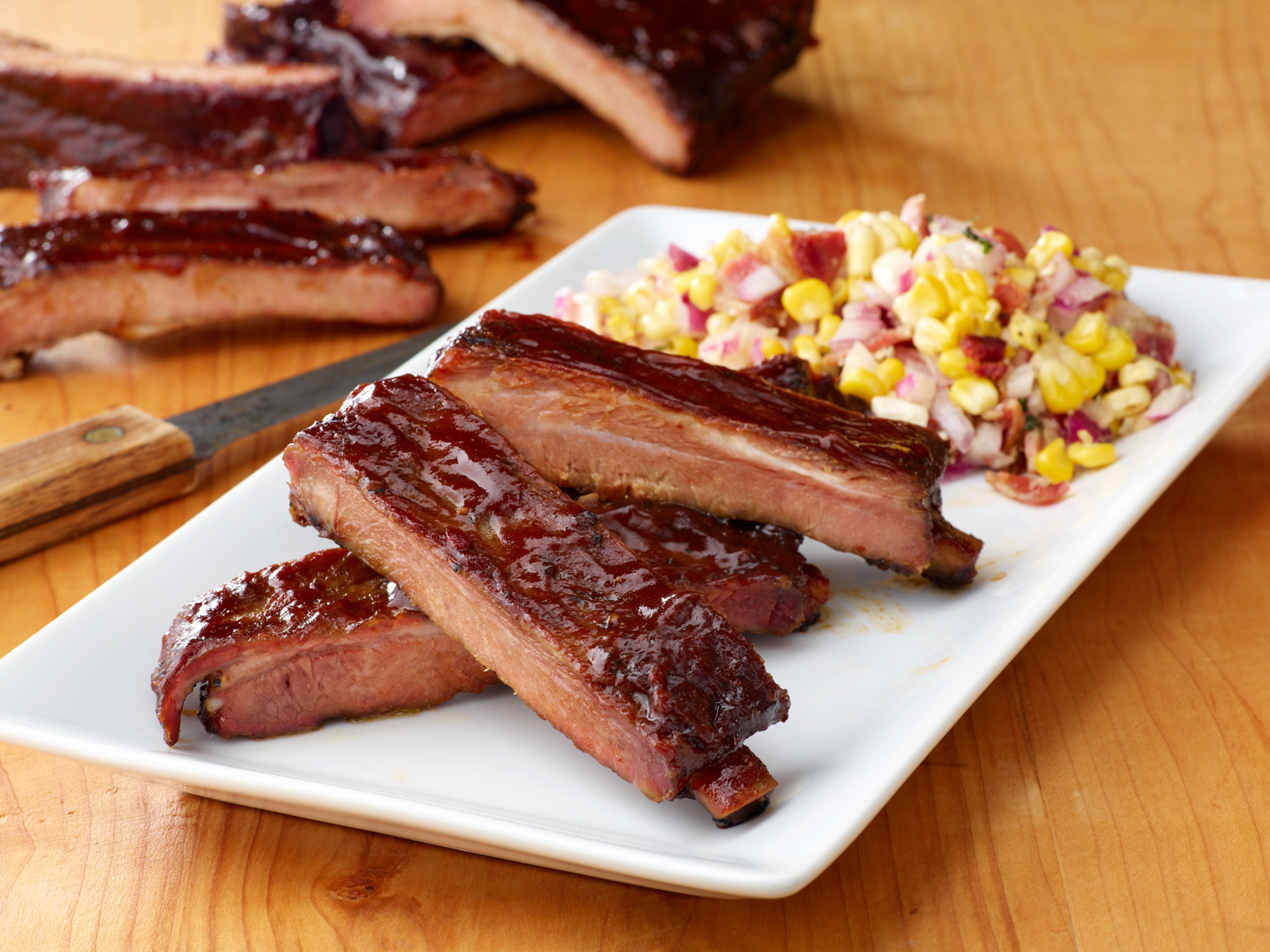 SmokehouseRibsBBQSaucePlated14593